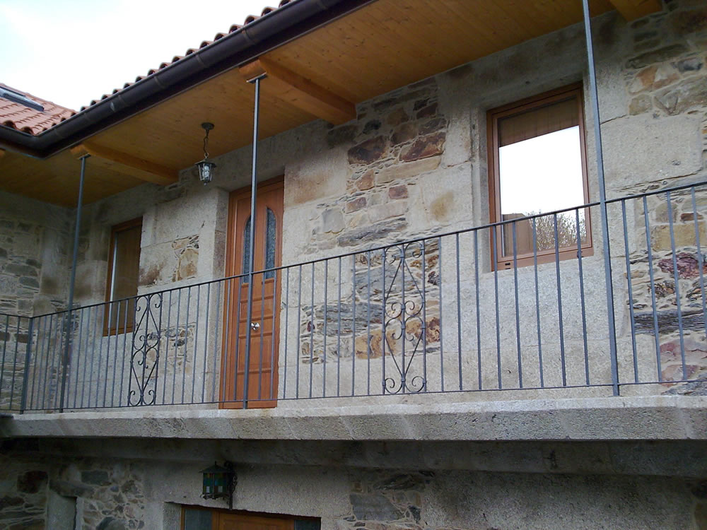 Barandillas de forja para balcones best ver video de Balcones madera exterior
