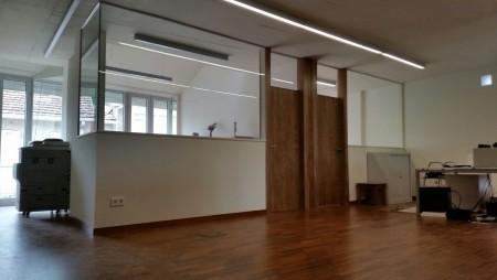 División de oficina realizada con vidrio laminado
